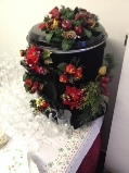 mulled wine urn with seasonal decoration